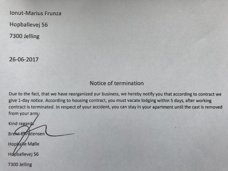 26. juni 2017 fyrede arbejdsgiver Brent Christensen den rumænske medarbejder - med 1 dags varsel