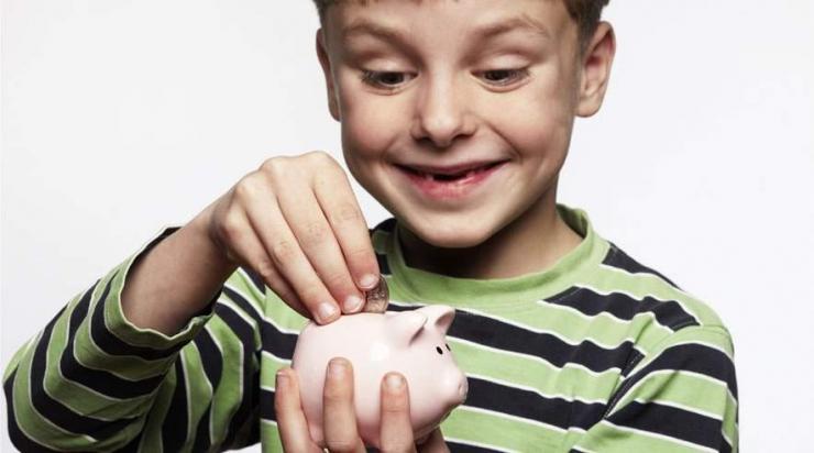 bf12fcd5 Det er i orden at give børn lommepenge, mener psykolog Magrethe Brun  Hansen. Børnene lærer for eksempel glæden ved at spare op til noget.