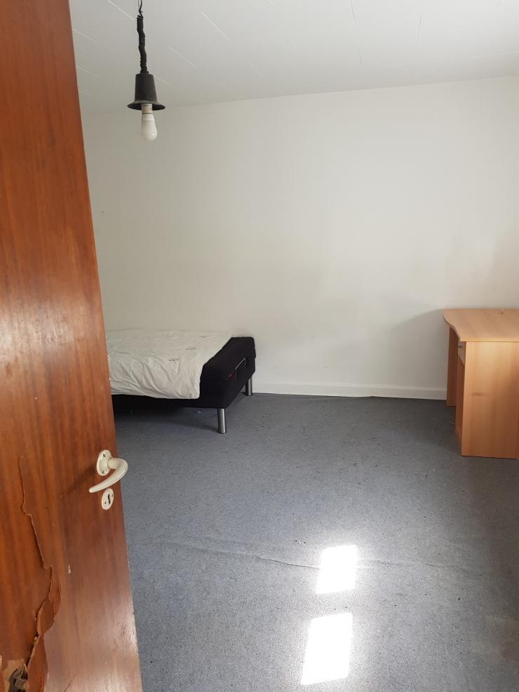 Rumæneren har betalt 2.000 kr. om måneden for et værelse i et hus, som lejeren deler med en anden person.