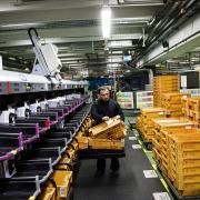 Det store brevfald i Posten førte til, at Københavns Postcenter (billedet) måtte lukke sidste år. En del af medarbejderne flyttede til et nyt center i Taastrup.