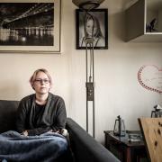 Jeg har overvejet at flytte for at spare på huslejen. Men det vil skabe kaos, og jeg ved ikke, hvor jeg kan låne til et nyt indskud, fortæller Anemarie Dürr.