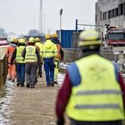 Nu er der udsigt til, at der for alvor rykker danskere ind på byggepladsen, efter at der i starten har været overvægt af udlændinge. (Arkivfoto)