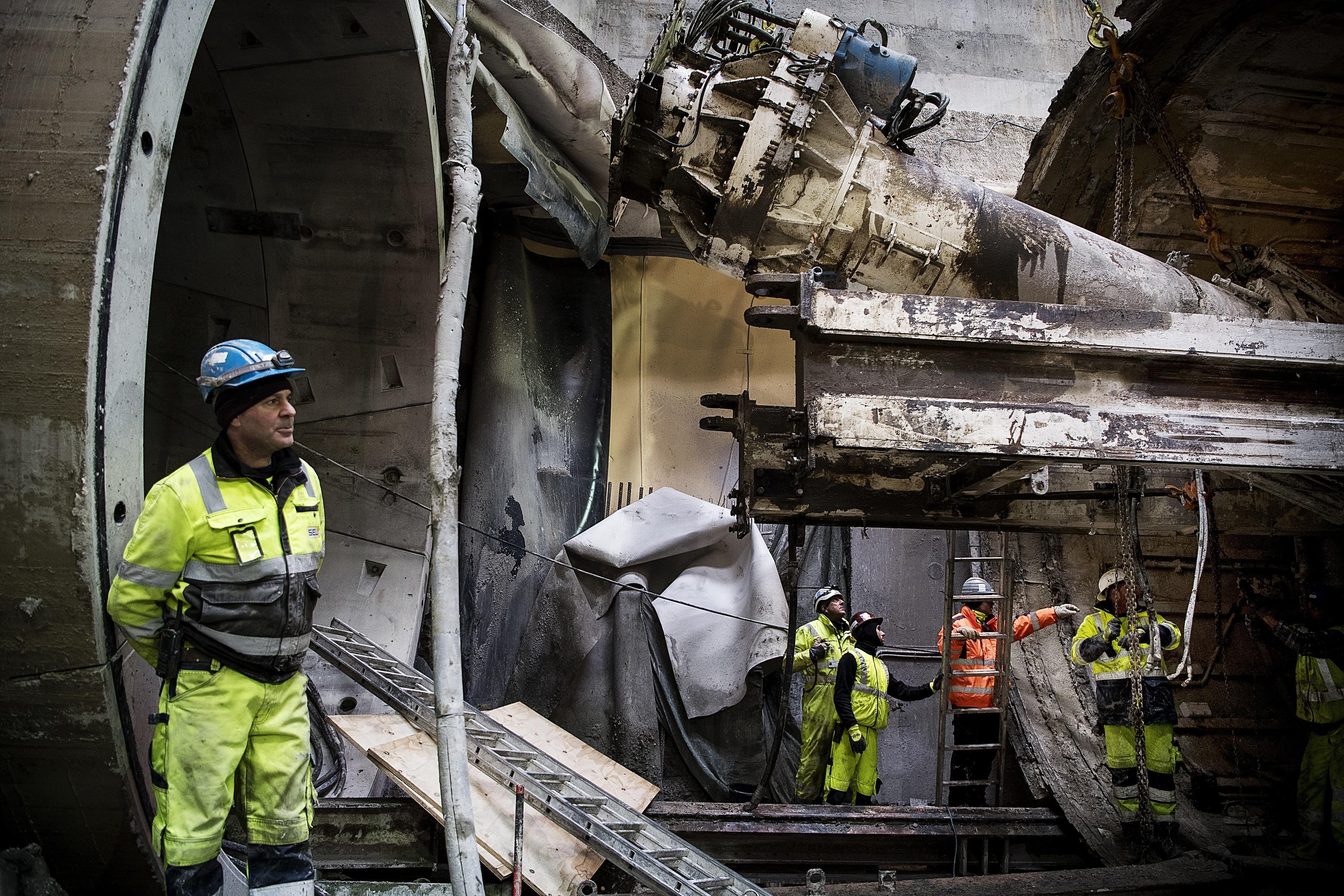 Metrobyggeriet i København har været en farlig arbejdsplads. Alt i alt er der givet bøder for over tre millioner kroner efter 52 overtrædelser af love om arbejdsmiljø.