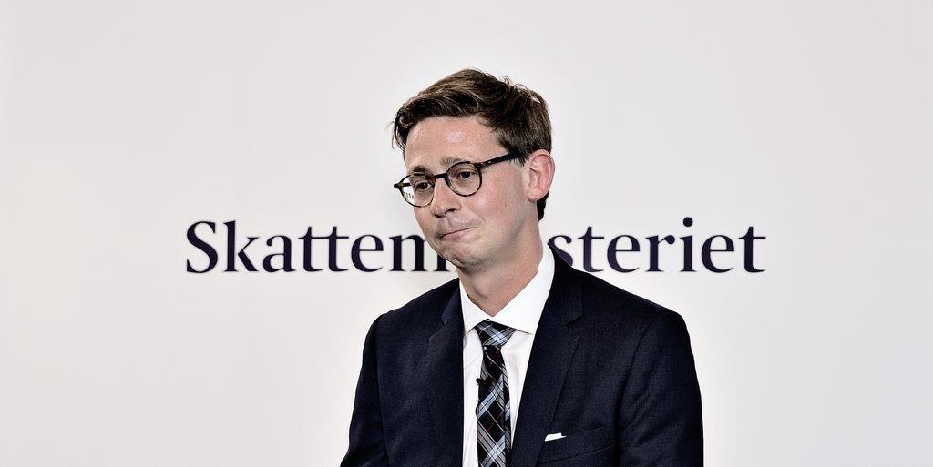 - I stedet for at tro, at man kan få problemet til at forsvinde ved at kontrollere, så tror jeg, man får mere ud af at løfte moralen i samfundet og oplyse folk omkring det, siger Karsten Lauritzen.