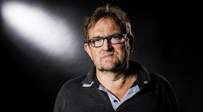 Lars Olsen er uddannet cand.phil. i samfundsfag og medforfatter til 'Det danske klassesamfund'.