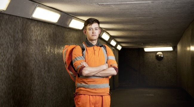 Næsten en million briter står i samme situation som 31-årige Billy McKinstry. De har fast job, men er ikke garanteret nogen arbejdstimer overhovedet.