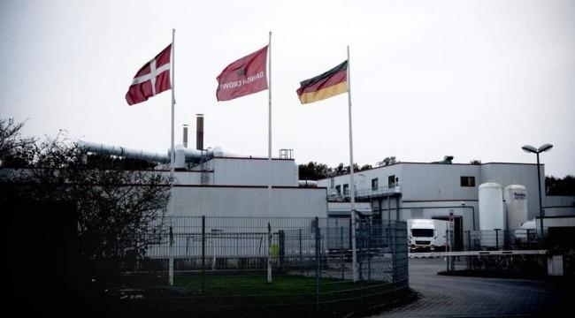 Rumænske arbejdere på Danish Crowns slagteri i Essen, Oldenburg, er blevet snydt for løn, ferie og sygedagpenge af deres arbejdsgiver, der er underleverandør.