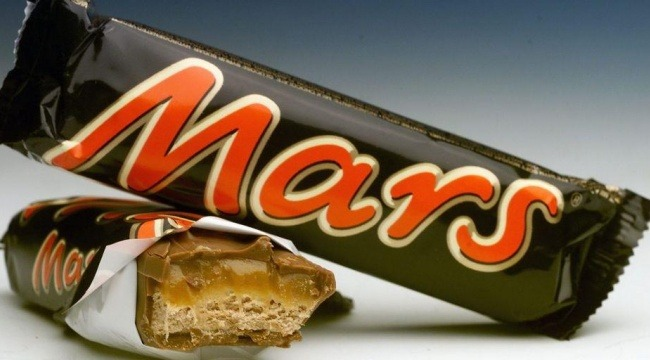 Slikfuskeren David Yüksel skylder via sit svenske datterselskab Mars Danmark A/S 2,7 millioner svenske kroner.