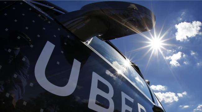 Er du efterlønner og kører for Uber, kan det koste dig dyrt.