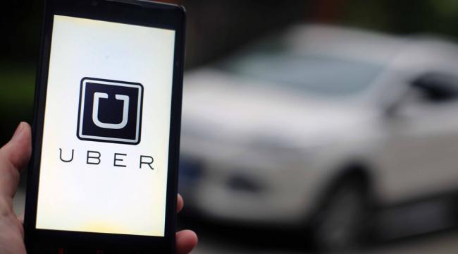 Ubers 2.100 chauffører kører videre, selvom det blev gjort ulovligt at være Uber-chauffør ved en landsretsdom i fredags. close