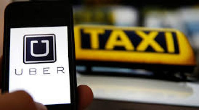 Selvom flere Uber-chauffører går i politiets fælder, så skal indsatsen øges, siger både 3F og Dansk Taxiråd. Lav en taskforce, siger Enhedslisten. (Foto: Joachim Rode)